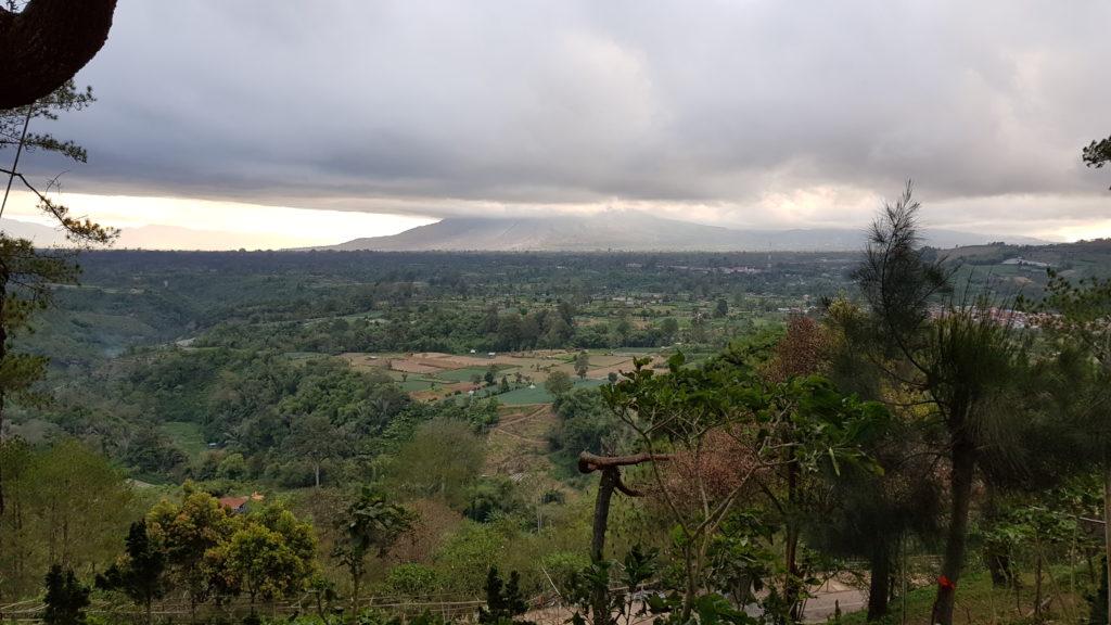 Sehenswürdigkeiten Berastagi: Blick vom Gundaling Hill