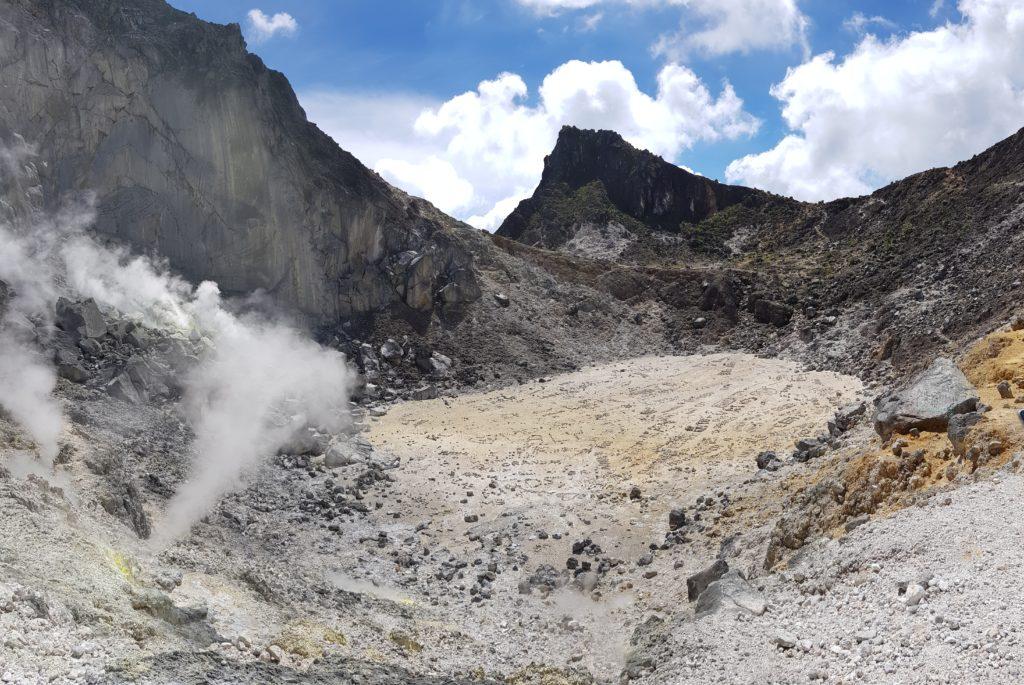 Sehenswürdigkeiten Berastagi: Vulkan Sibayak