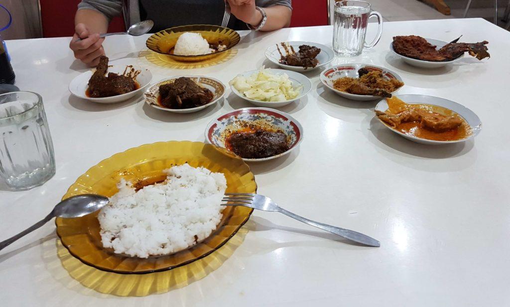 Bukittinggi: Traditionelles Restaurant