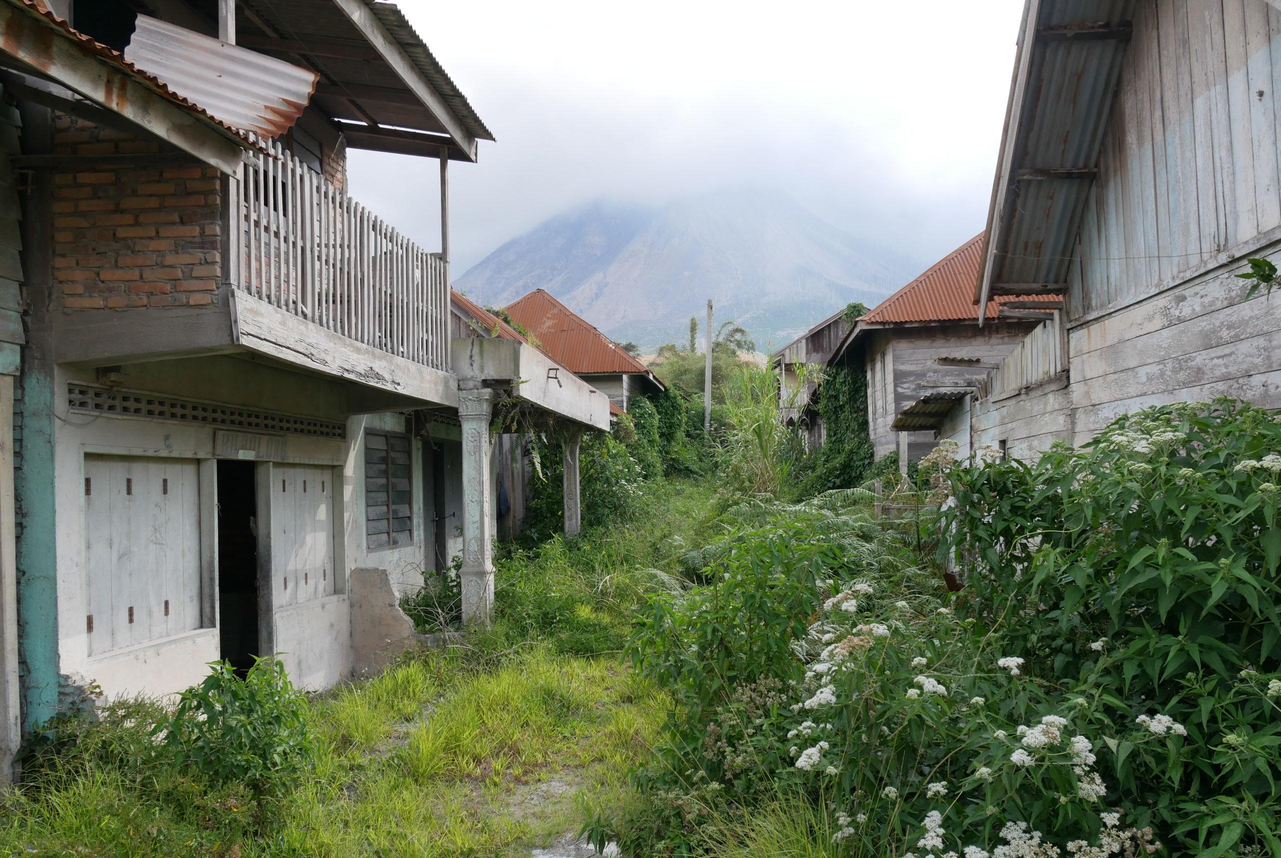 Lost Place Sumatra: Das Geisterdorf nahe Berastagi