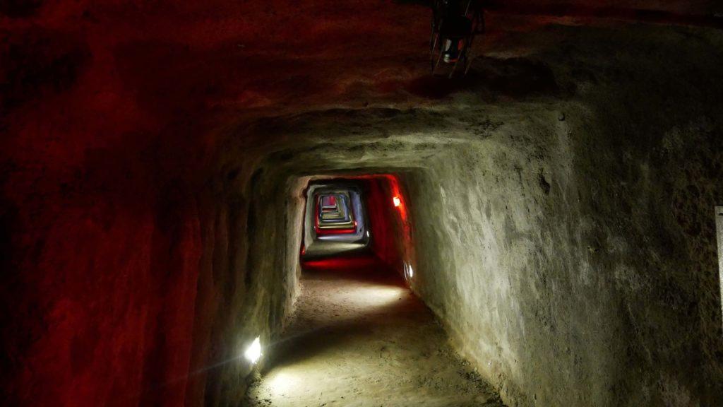 Lobang Jepang: Tunnel