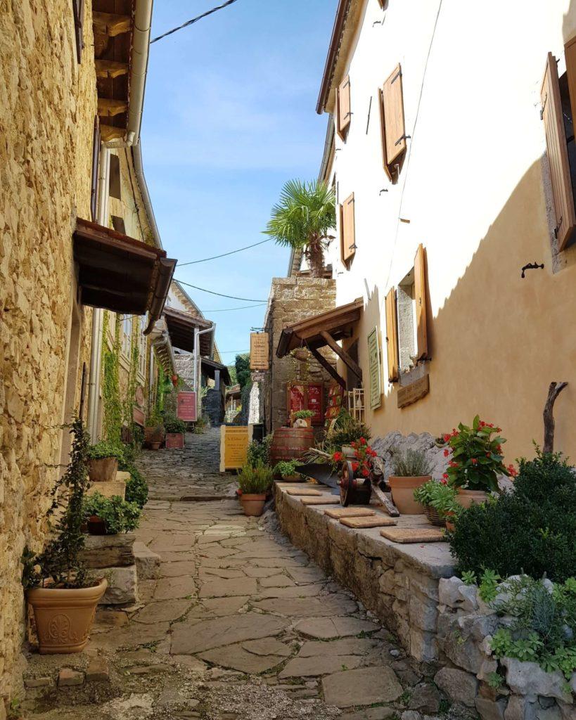 Hum Kroatien kleinste Stadt der Welt