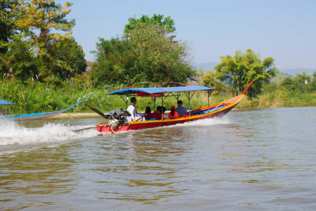 Bootsfahrt auf dem Mae Kok River